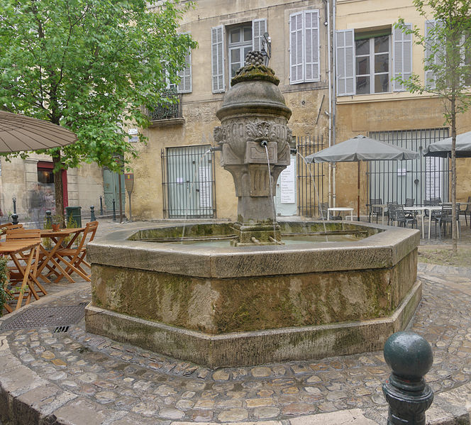 Place_des_Trois_Ormeaux