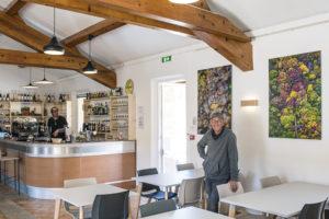 Georges Flayols au restaurant de la maison Sainte-Victoire